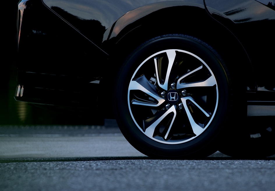 Design_Alloy Wheel